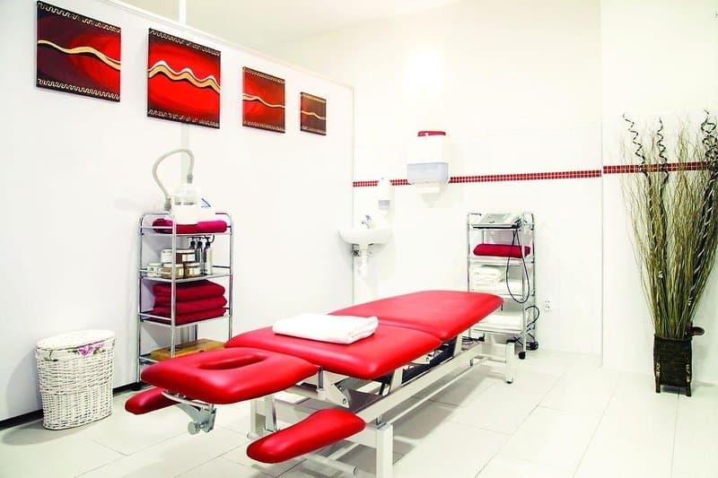 Hohe qualitäts Massagen- werden im drei Sterne Hotel bei Swieradow Zdroj bei Polen verpasst