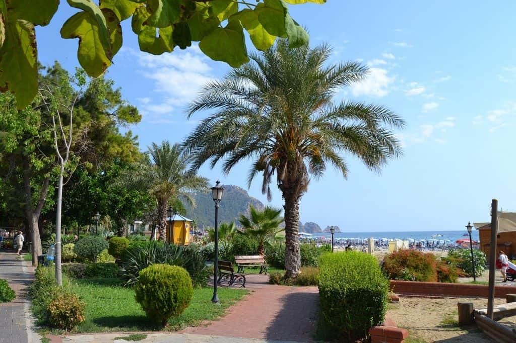 Promenade der Stadt - türkische Ägäis