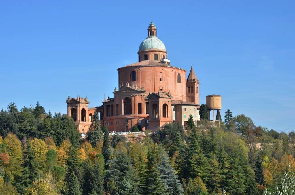 Sanctury das Wahrzeichen der Hauptstadt Emilia-Romagna