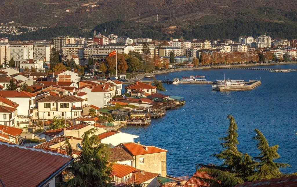 Städtereisen nach Mazedonien - am Ohridsee findet man neben einer extrem schönen Stadt eine atemberaubende vielfalt der Natur