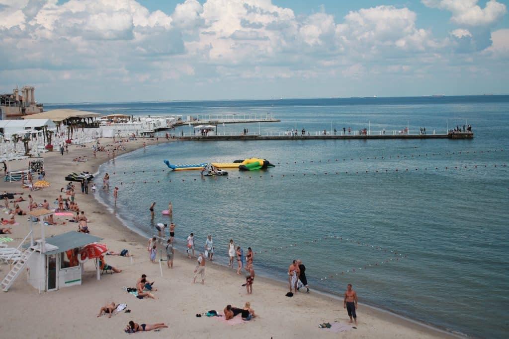 Strand am scharzen Meer - im Sommer Badeurlaub in Odessa