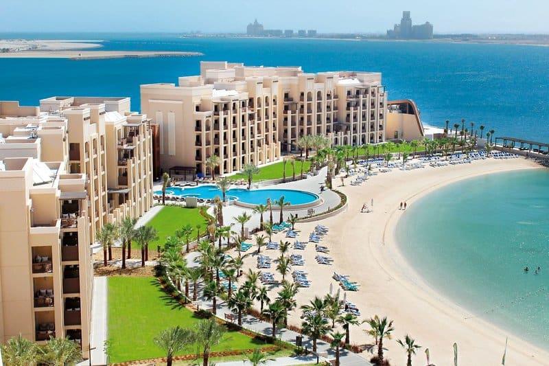 2. The Bay Club - DoubleTree by Hilton Resort & Spa Marjan Island 5 Sterne