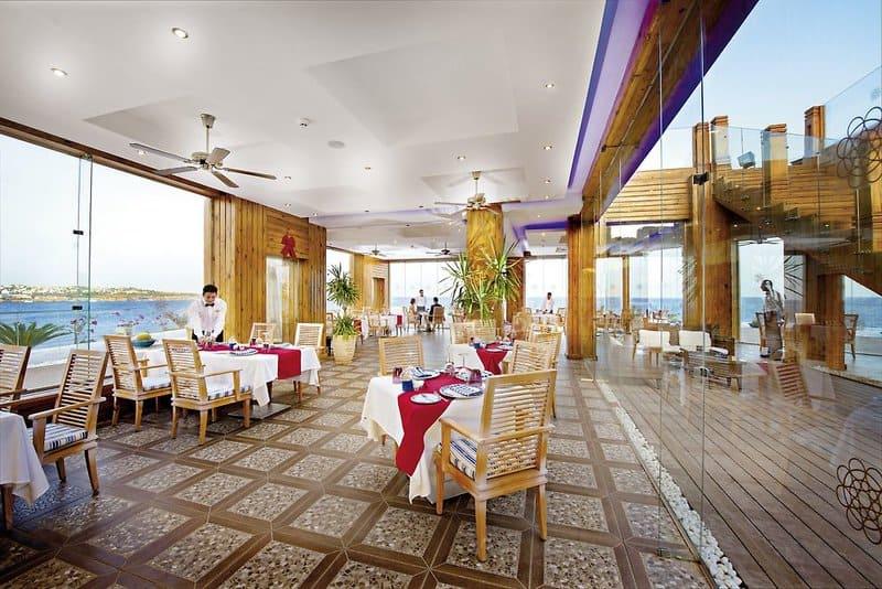 Die direkte Strandlage macht das All Inclusive Hotel - Sunrise Grand Select Arabin Beach Resort zum Top Seller