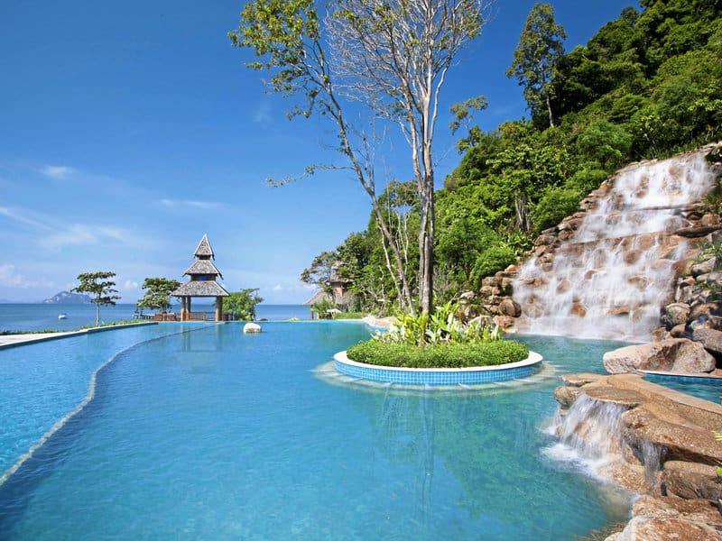 Es wimmelt nur so vor Poollandschaften in dem Luxus Resort