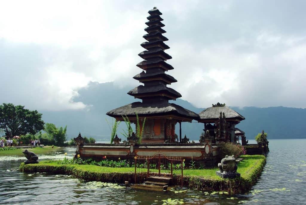 Flüge nach Indonesien einfach bei uns selber suchen & buchen