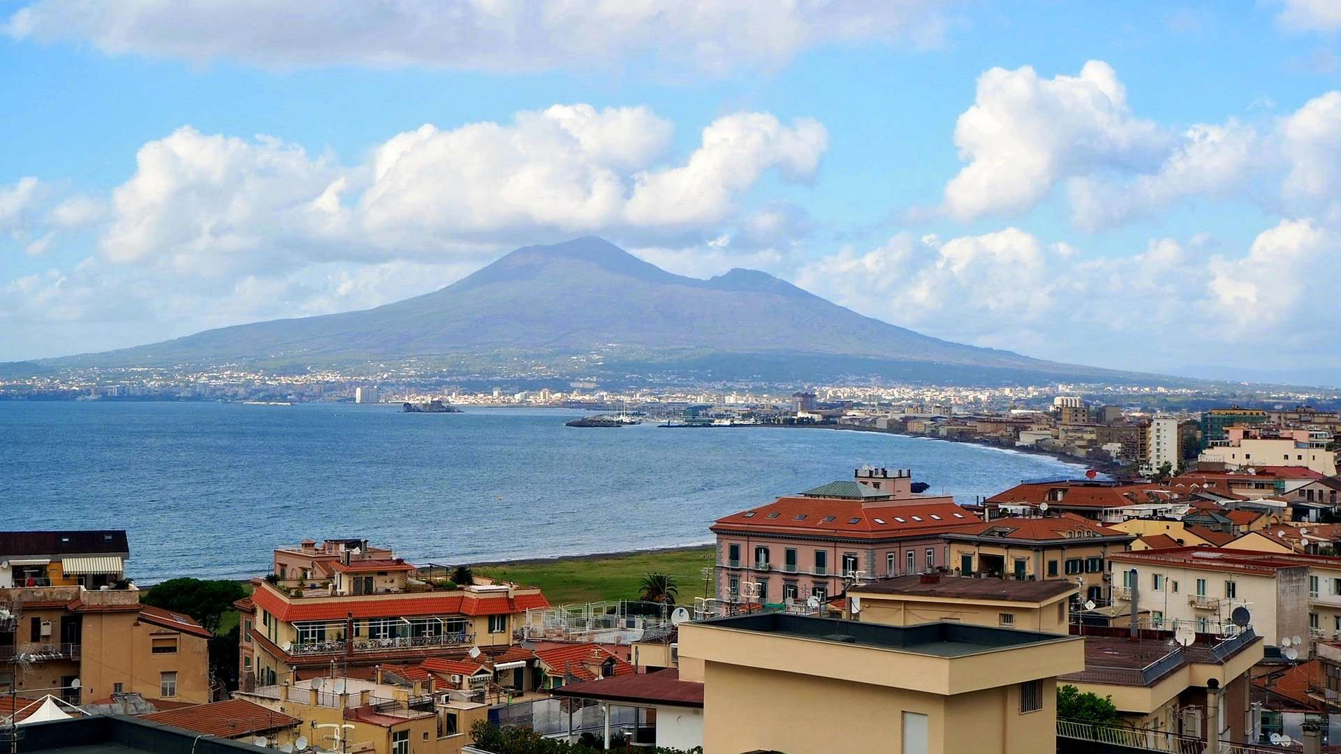Flüge nach Neapel nur 10,00€ - Kampanien Urlaub günstig