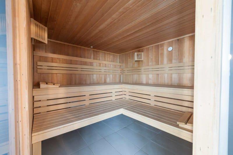 Hotels mit Sauna empfehlen wir euch wie in dem Aparthotel Eix Platja Daurada - Appartements