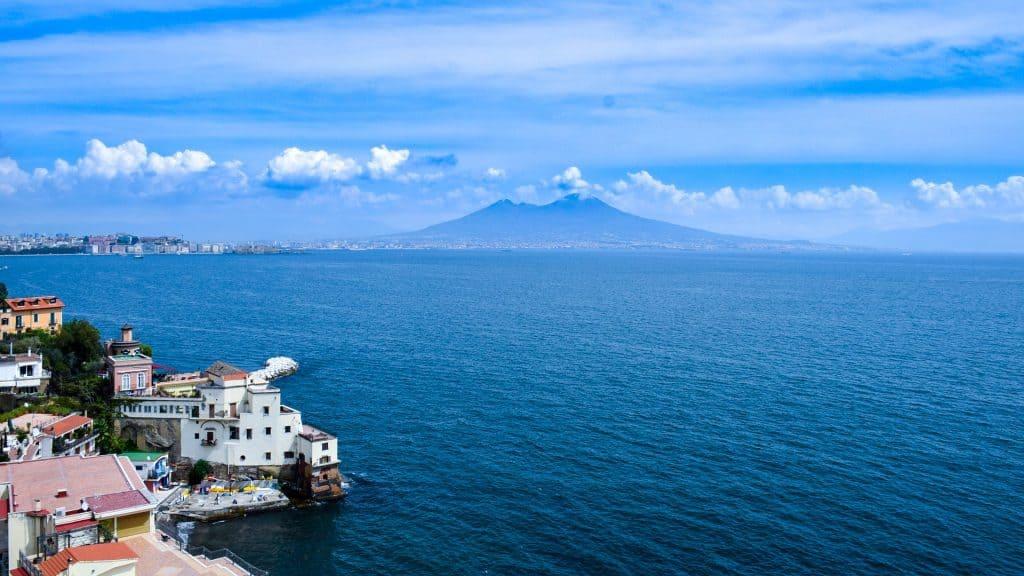 Kamapnien Urlaub günstig buchen Flüge nach Neapel nur 10,00€