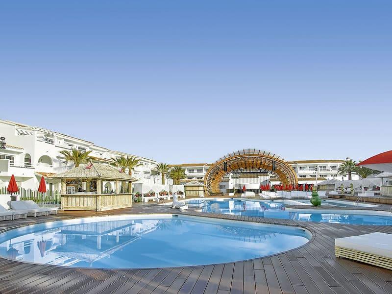 So ruhig wird man den Pool am Playa den Bossa wahrscheinlich nicht erleben