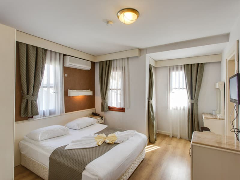 So sehen die Zimmer im drei Sterne Hotel