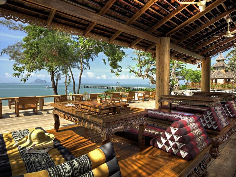 Thailand Urlaub am türkisblauen Andamansee