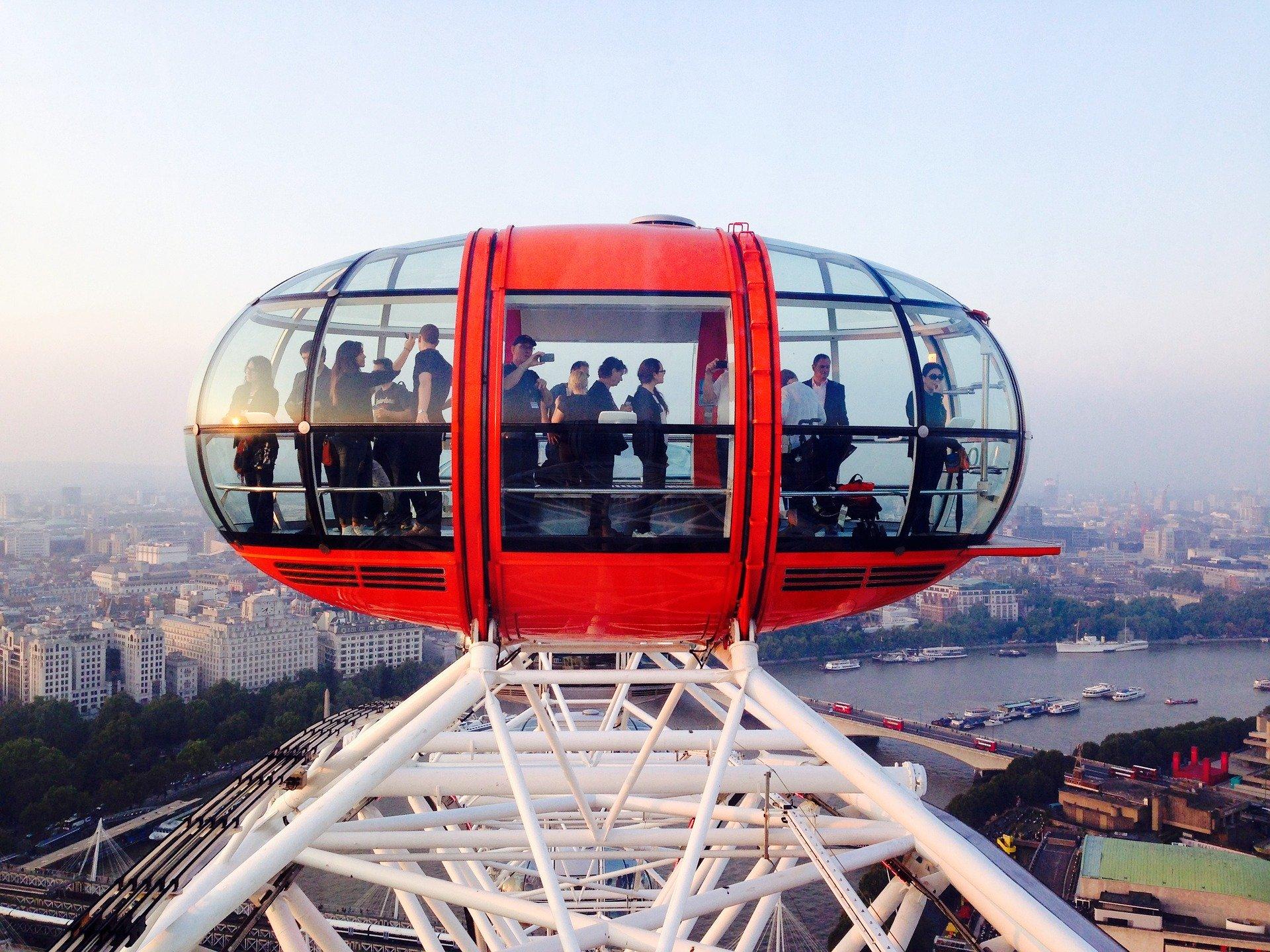 Auf dem London Eye die Stadt von einer anderen perspektive besichtigen