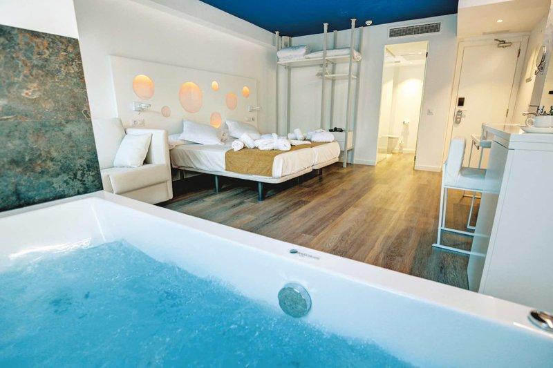 Bei den Zimmern sollte man aufpassen - es gibt auch Zimmer mit Whirlpool im Raum