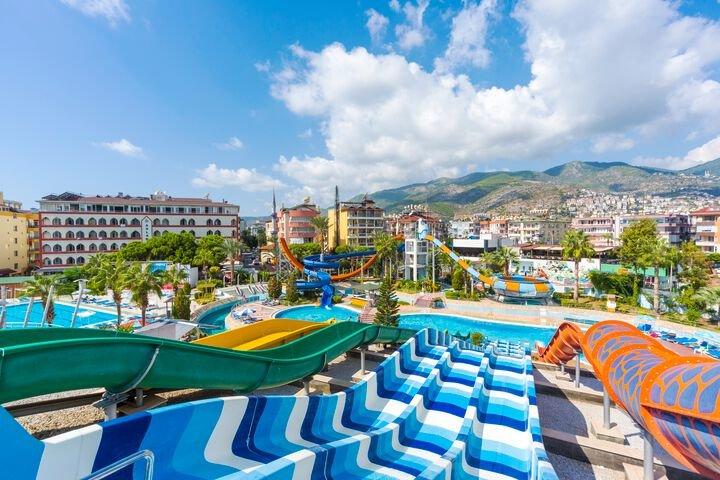 Ein atemberaubender Aqua Park im Herzen der Hotelanlage