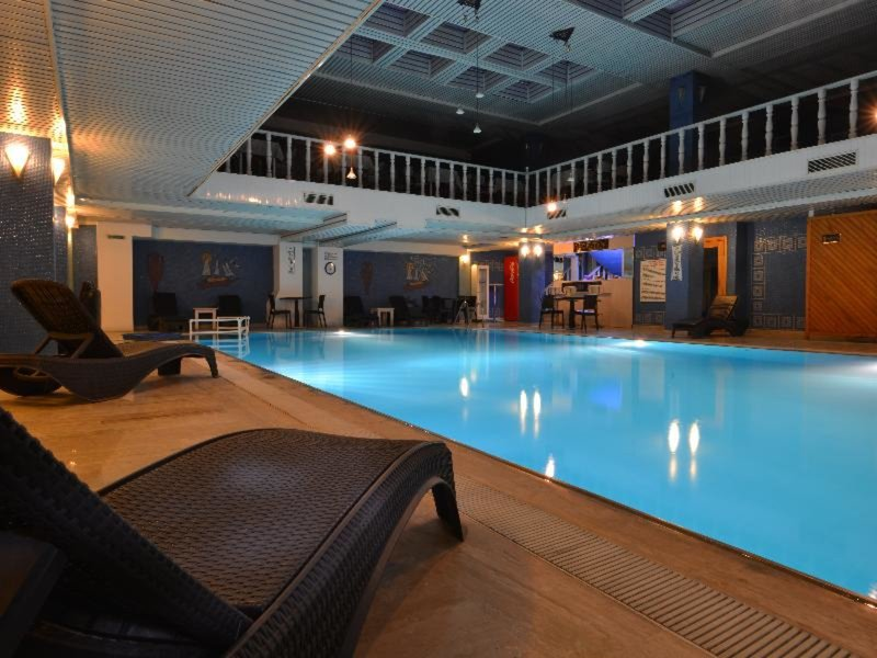 Hallenbad im Sevcan Hotel