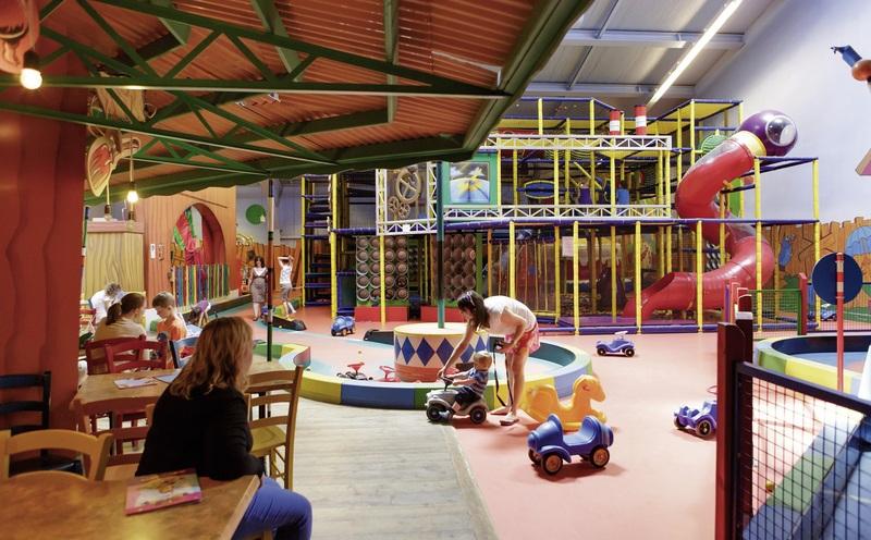 Kids Factory mit Elektroautos