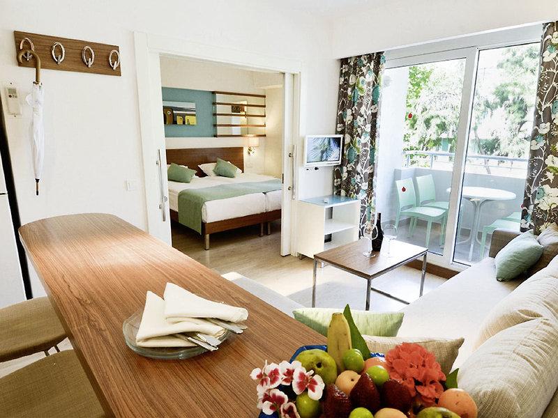 geräumige Zimmer erwarten euch im modernen Design