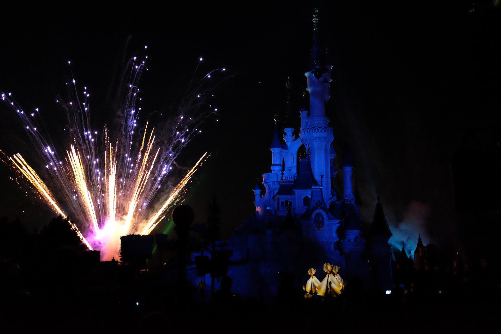 Electroland Paris - Disneyland Electro Festival Ticket & Hotel ab 139,00€