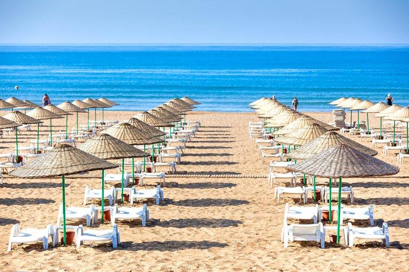 Hoteleigener Strandabschnitt vom Roma Beach