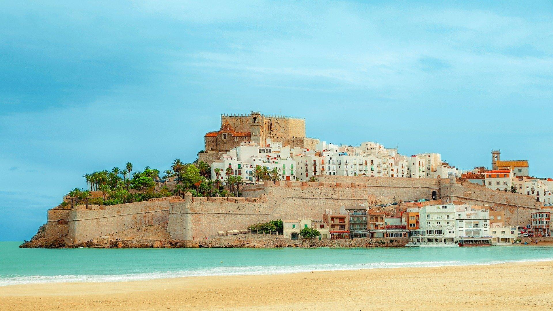Spanien Reisewarnung - Corona begräbg Tourismus bis September