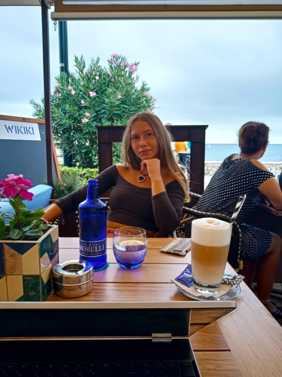 Wikiki Cala Ratjada - direkt am Marktplatz mit Hafen & Meerblick - Kopie