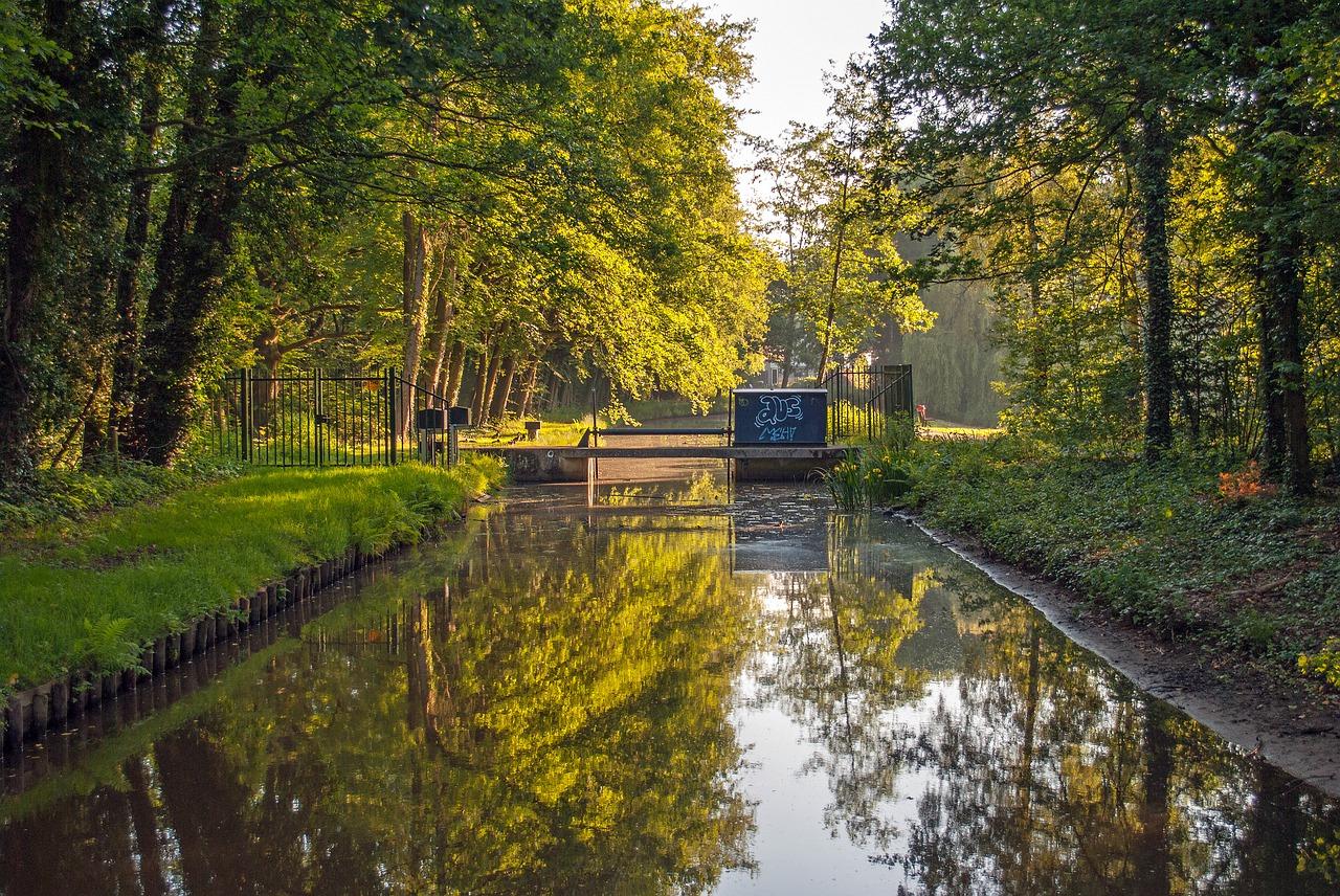 Die Stadt ist umgeben von zahlreichen Parks