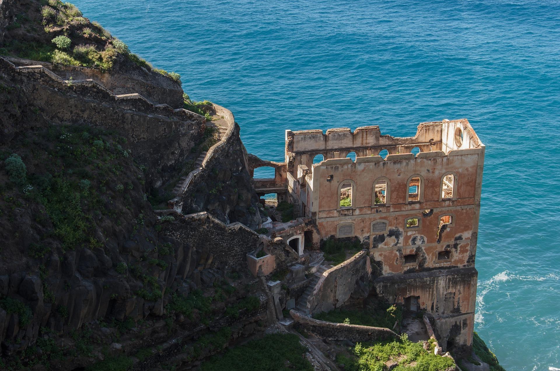 Monastery Ruinen an der Küste von Puerto de la Cruz