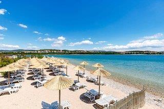 Toller Hoteleigener Strand - Kroatien Pauschalreise 2021